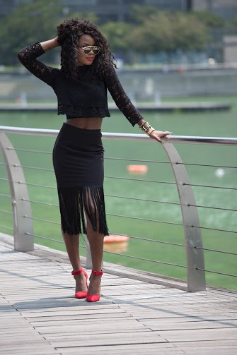 Billykiss Azeez – Your Favourite Muse - Classy Outfit – Black laced top with black fringe skirt and red heels. Forever21, Aliexpress, Misguided. Fashion Blogger - Irish Nigerian.