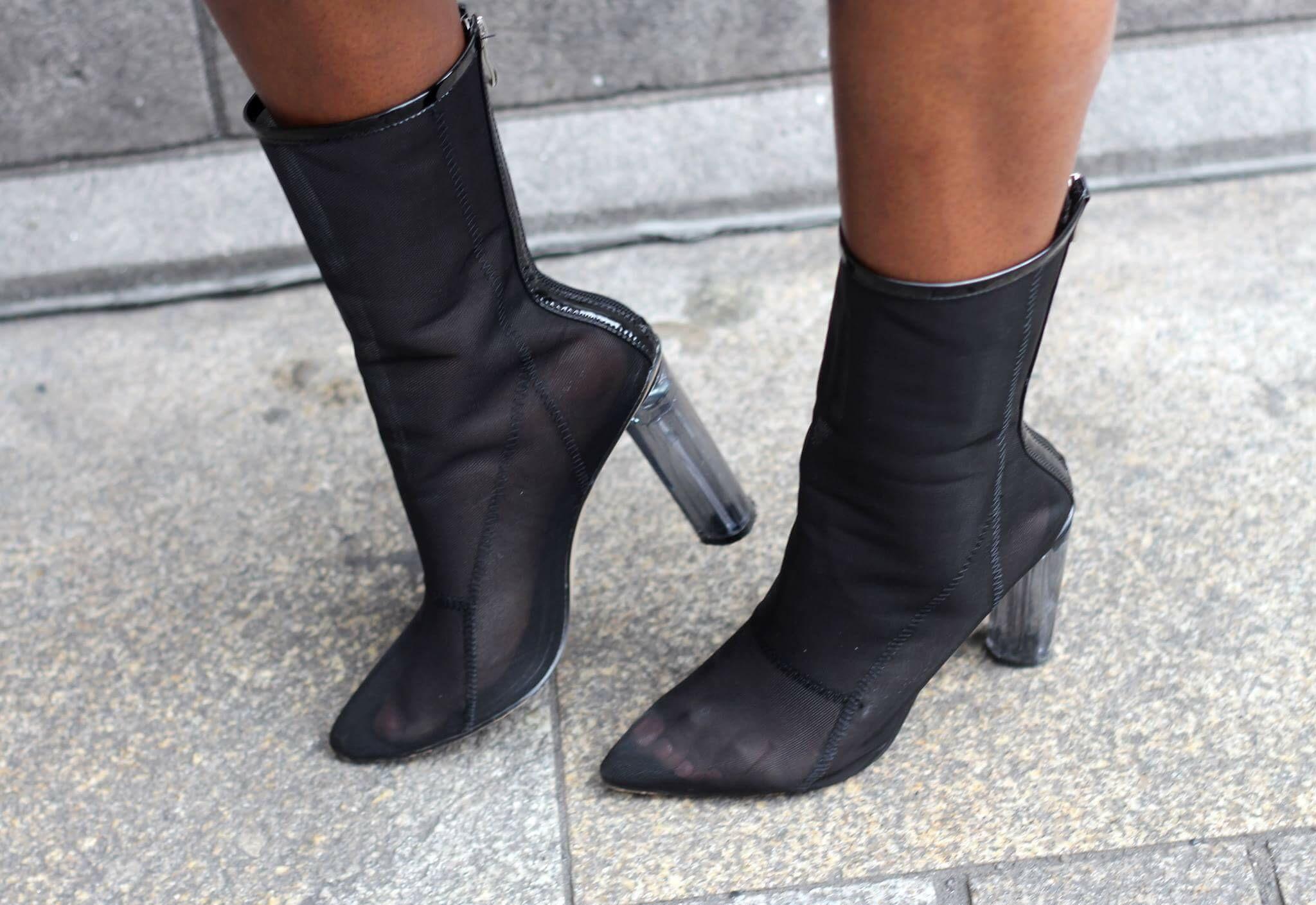 Billykiss Azeez. Your Favourite Muse. Fashion Irish Blogger. Urban Street style. Zara. Pretty Little Things. Fashionnova. La Moda Shoes.