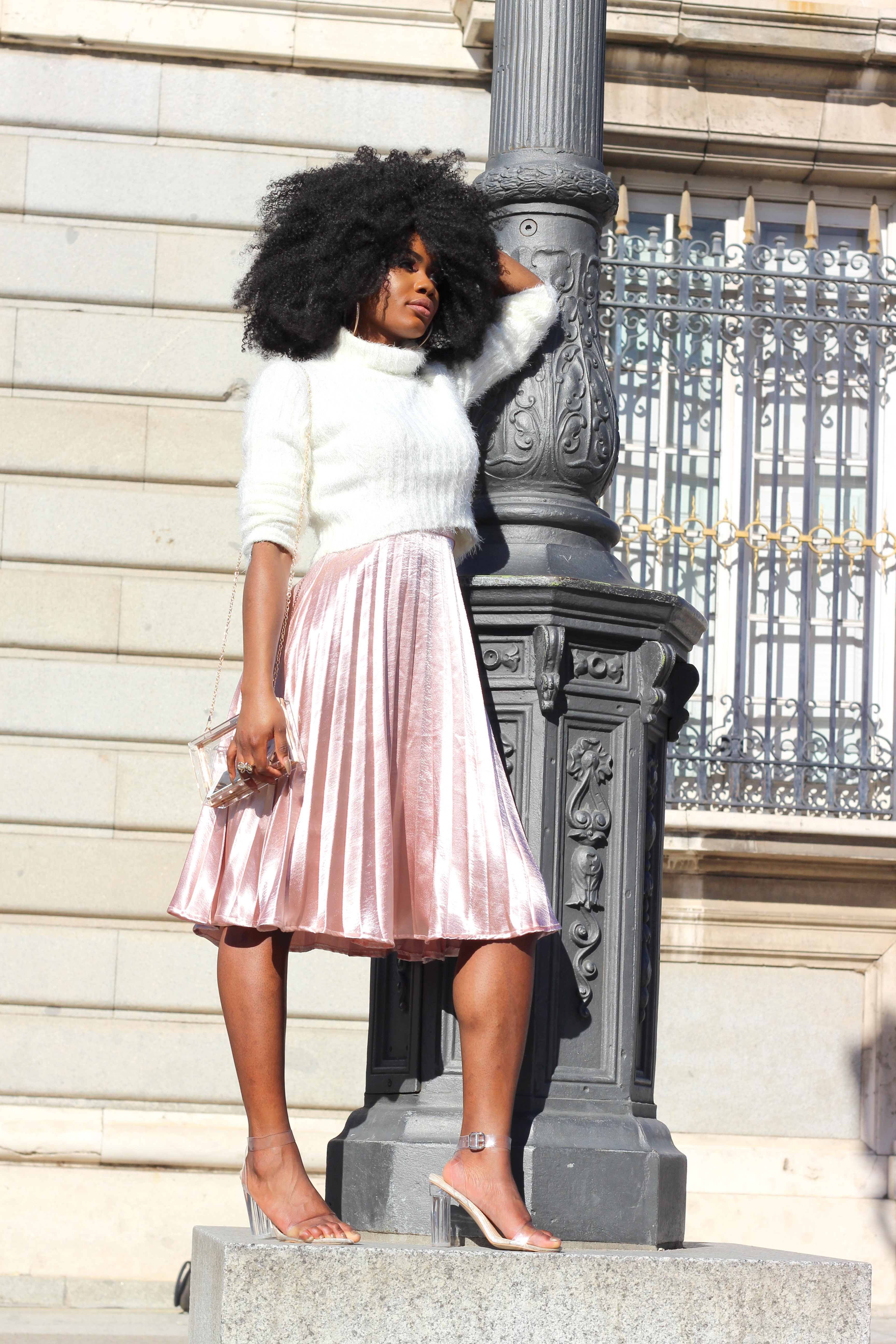 Billykiss Azeez. Your Favourite Muse. Fashion Irish Blogger. Classy style. Turtleneck Crop Jumper Missguided. Rose Gold Pleated Midi Skirt. EGO Nude Perplex clear heel. African Style Blogger. Afro Curly Hair. Jorie Hair. High Fashion. A/W 16.
