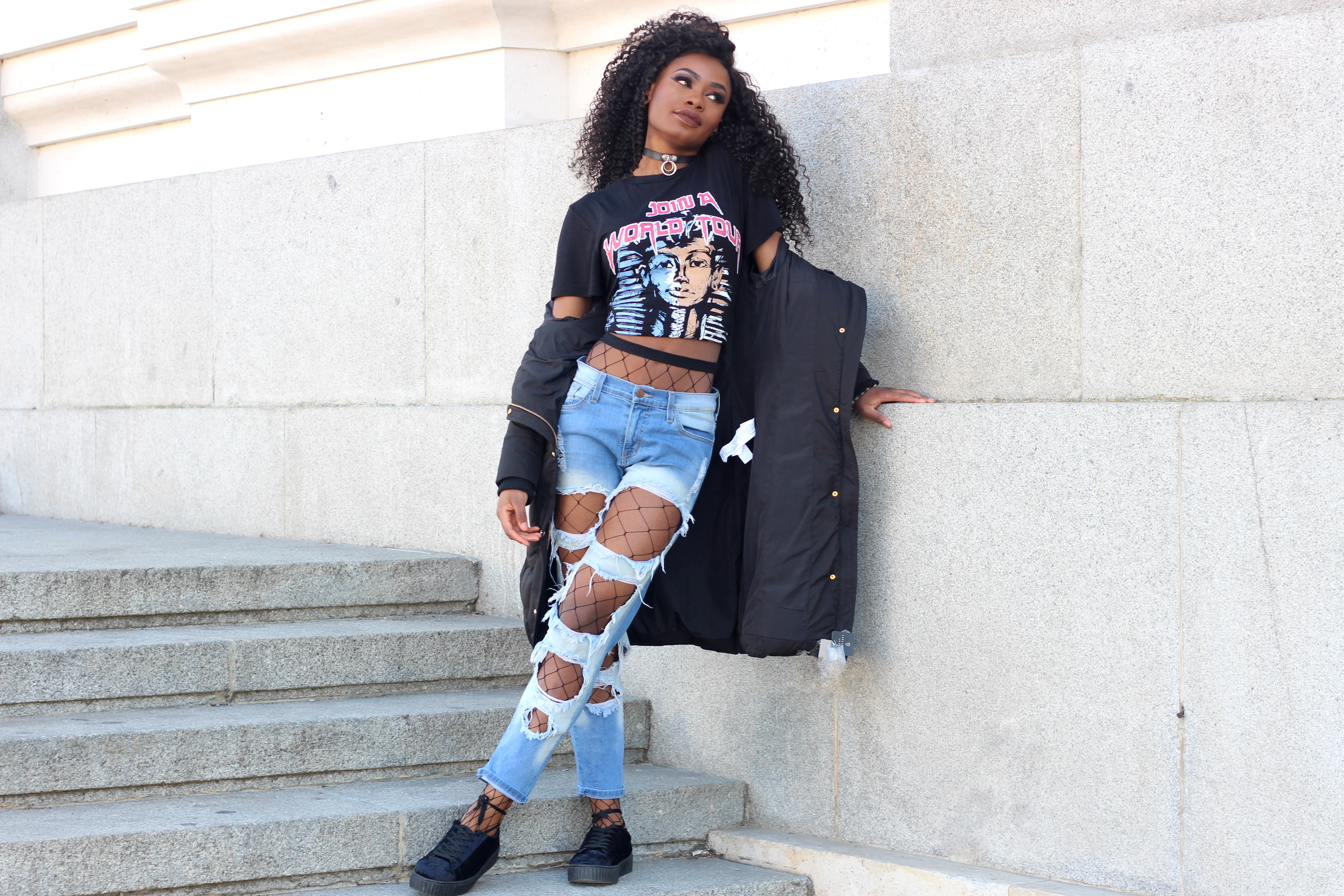 Billykiss Azeez. Your Favourite Muse. Fashion Irish Blogger. African Blogger. Street style. Zara Black Coat. Pretty Little THings Top. Aliexpress choker. Fashionnova Jeans. Quanticlo shoes. Winter Style. High Fashion. A/W 16.