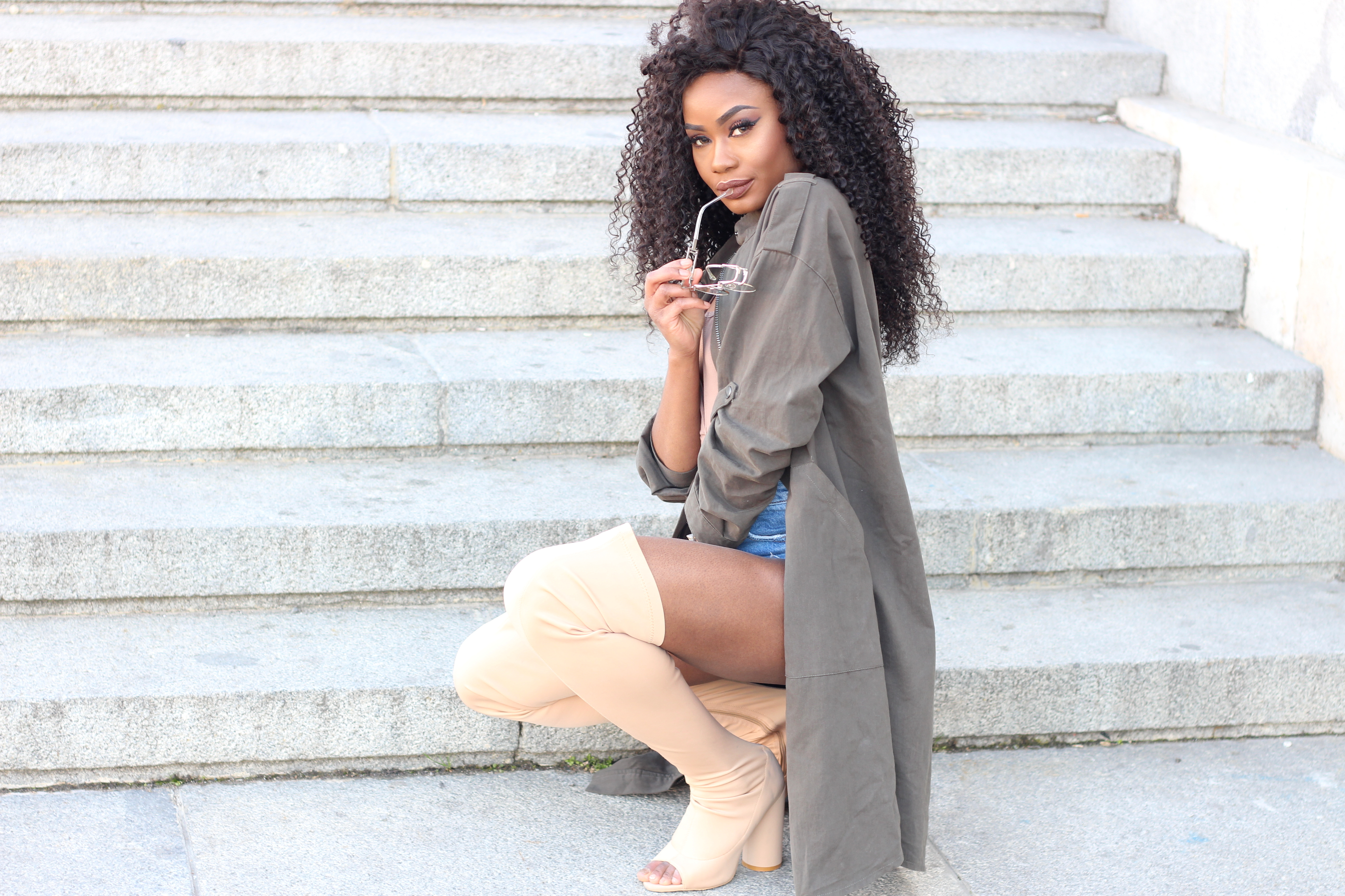 Billykiss Azeez. Your Favourite Muse. Fashion Irish Blogger. African Blogger. Street style. Forever 21 Jacket. Aliexpress bodysuit. Aliexpress choker. Topshot denim shorts. Quanticlo shoes. Winter Style. High Fashion. A/W 16.